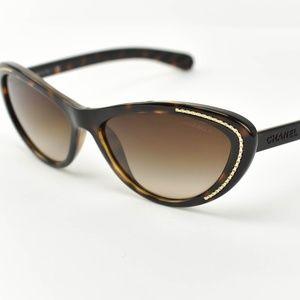 CHANEL Cat Eye: Tortoise Brown Logo Sunglasses bp